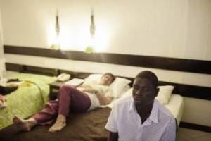 romance-tourism-a-mombasa-603935_tn