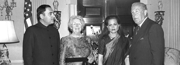 Sonia e rajiv gandhi archives coppie miste for Primo permesso di soggiorno dopo matrimonio